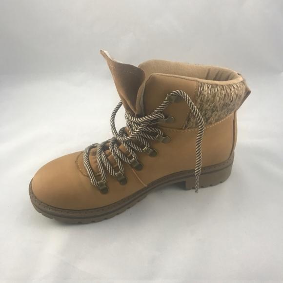 Dunes Womens Tucker Hiker Boot